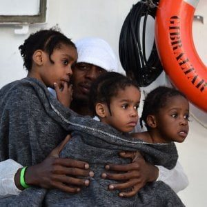 """Gli schiavisti della UE hanno quotato la loro merce: """"6 mila euro per ogni migrante accolto""""."""