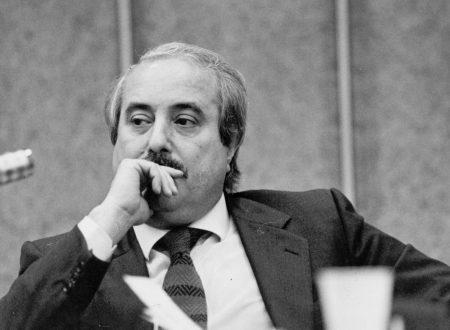 """Paolo Borsellino disse: """"Falcone fu assassinato dalla mafia il 23 maggio 1992, ma cominciò a morire il 19 gennaio 1988""""."""